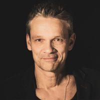 Jan Martens, Sänger und Gitarrist von Caron Between Bridges